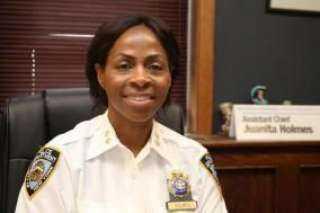 لأول مرة..ترقية إمرأة سوداء إلى منصب رفيع بالشرطة الأمريكية