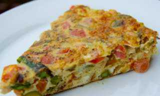 «لإفطار لذيذ».. أسهل طريقة لتحضير عجة البيض والبقدونس