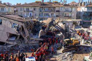 عاجل.. تعرف على حصيلة الزلزال المدمر الذى ضرب تركيا