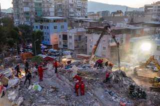 الأزهر يعزى أسر ضحايا زلزال بحر إيجة