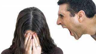 ما حكم تطليق السكران لزوجته وهو لا يعي ما يقول؟