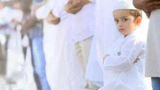 تعرف على حكم اصطحاب الأطفال للصلاة في المساجد