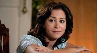 """تفاصيل حبس منة شلبي في """"الحمام"""" بمنزل خطيبها"""