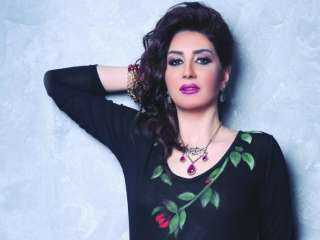 وفاء عامر تحتفل بعيد ميلاد شيما الحاج (فيديو)