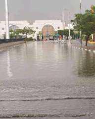 شاهد.. الأمطار تضرب محيط ستاد القاهرة قبل نهائي القرن بـ48 ساعة