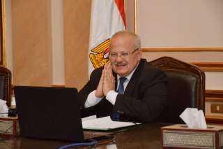رئيس جامعة القاهرة يحذر من تجاهل الإجراءات الوقائية لمواجهة كورونا