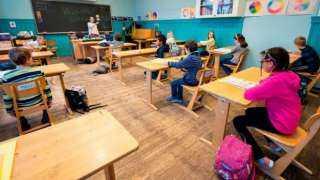 قرار عاجل بإغلاق المدارس وتأجيل الامتحانات بعد التفشي المرعب لـ كورونا فى باكستان