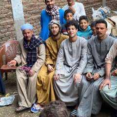 """أحمد مالك وداش بـ """"الجلباب الصعيدي"""" في كواليس مسلسل """"نسل الأغراب"""""""