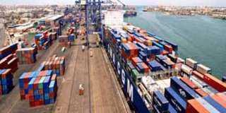 موانئ «الإسكندرية» تستقبل 12 سفينة جديدة اليوم وغدا
