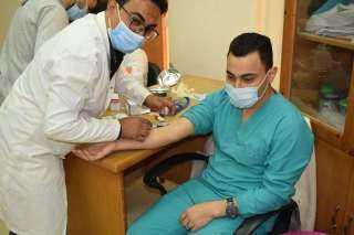 بالصور .. الجامعة المصرية الروسية تجرى تحليلاً لطلاب الأسنان قبل التعامل مع المرضى فى العيادات