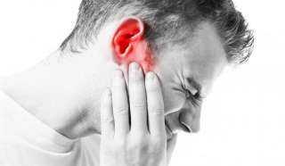 بدون أدوية ومضادات.. أسهل طريقة لعلاج التهاب الأذن