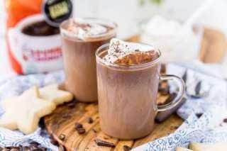 الشوكولاتة الساخنة.. ماذا تعرفين عن مشروب الشتاء وفوائده المذهلة؟
