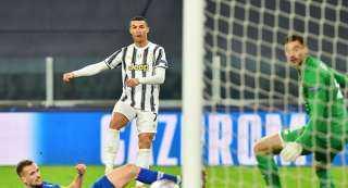 رسميا.. رونالد يتوج بجائزة لاعب شهر نوفمبر في الدوري الإيطالي