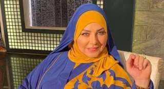 ميار الببلاوي تطمئن جمهورها ببث فيديو مباشر: أنا بخير ولسه جايه من صلاة الجمعة