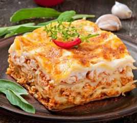«زي المطاعم».. أسهل طريقة لعمل اللازانيا بالدجاج