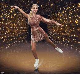 رغم الحادثة المؤسفة لها.. ممثلة وإعلامية بريطانية تستكمل حياتها وتؤدي عروض الرقص علي الجليد
