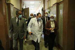 الصحة: انخفاض معدل تردد مرضى فيروس كورونا على الرعاية المركزة وأجهزة التنفس الصناعي بالمستشفيات بنسبة 50%
