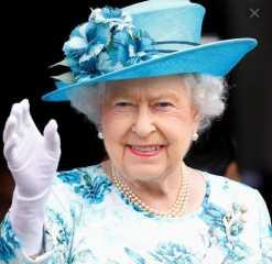 أبرزهم الملكة إليزابيث وجو بايدن.. مشاهير عالمية حصلوا على لقاح كورونا فمن هم؟