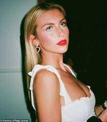 عارضة أزياء تفضح ممثل مشهور مارس معها ألعاب جنسية غريبة