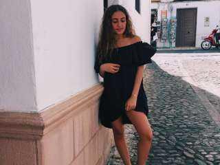 ابنة عمرو دياب تتبرأ من عائلتها لتصبح راقصة شهيرة