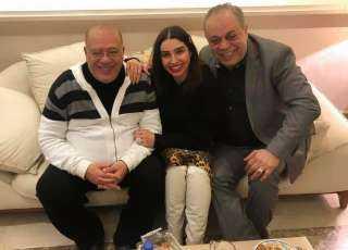 أبو قلب طيب.. روجينا وأشرف زكي يحتفلان بعيد ميلاد صلاح عبد الله