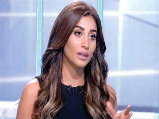 دينا الشربيني تثير الشكوك حول علاقتها بزوج ريهام عبد الغفور