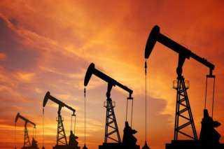 صعود أسعار النفط بفضل لقاحات كورونا .. وبرنت يسجل  62.94 دولار