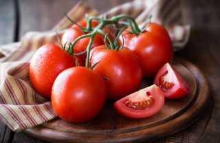 فوائد لا تحصى عن الطماطم.. تعرفي عليها