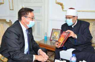 في زيارة رسمية.. لماذا زار سفير كازاخستان بالقاهرة وزير الأوقاف اليوم؟