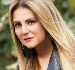 رانيا محمود ياسين تكشف عن حكاية شارع والدها