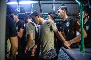 اعتقال 24 مواطنا تركيا بينهم عسكريين بتهمة الانتماء لجماعة جولن
