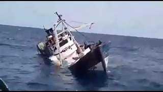 تفاصيل إنقاذ 11 صيادا بعد شحوط مركبهم بالقرب من جزيرة الجيثوم