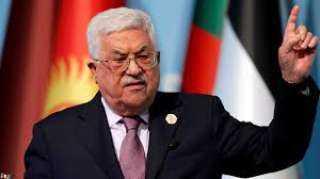 عباس يثير الجدل في الشارع الفلسطيني بإصداره عدد من القوانين