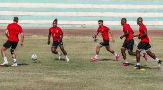 عبدالحفيظ يعلن سلبية مسحة لاعبى الأهلي استعدادًا لمباراة الترجي