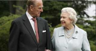 شاهد.. صورة خاصة تجمع الملكة إليزابيث بزوجها الأمير فيليب