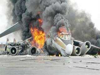 عاجل.. تحطم طائرة سياحية ومصرع 4 أشخاص