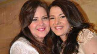 بسبب كورونا.. إيمي سمير غانم تطلب الدعاء لوالدتها وشقيقتها: ادعولهم