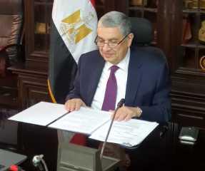 بتكلفة مليار جنيه.. تفاصيل تطوير شبكات توزيع الكهرباء في قطاع شمال سيناء