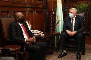 وزير الزراعة يبحث مع نظيره السودانى إطلاق المشروع الاستراتيجي للحوم