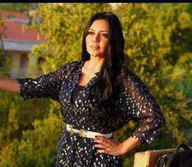 بالصور.. رانيا يوسف تودع رمضان بفستان جرئ