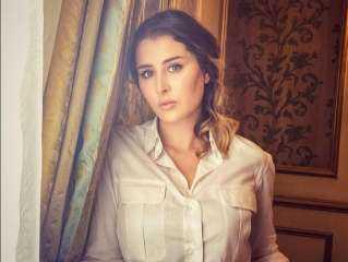 بعد إصابتها بالسرطان.. حبيب عائشة بن أحمد يدعمها ويعرض عليها الزواج