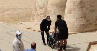 وزير الآثار يستقبل الأمريكية المصابة بالسرطان ويقرر مد إقامتها لزيارة الأقصر