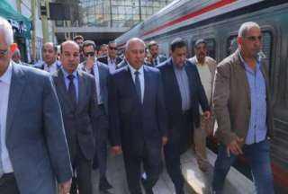 """كامل الوزير يعتذر للمصريين ويتعهد بالقضاء علي """"الظاهرة الملعونة """""""