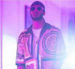 """محمد رمضان يكشف كواليس جديدة من أغنيته """"فيرساتشي بيبي"""""""
