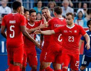 بيتكوفيتش يعلن تشكيل سويسرا لمواجهة ويلز