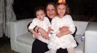 رضوى الشربيني تحتفل بعيد ميلاد والدتها بصورة من طفولتها: أجدع وأحن أم في الدنيا