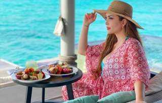 بإطلالة ساحرة.. نسرين طافش تستمتع بإجازتها الصيفية في جزر المالديف (صور)