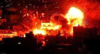 اللهب تصاعد للسماء.. انفجار ضخم بمصنع للكيماويات