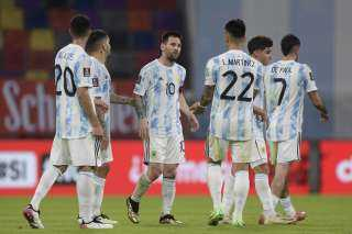 ميسي يبدي سعادته بفوز الأرجنتين وفخره بمعادلة رقم ماسكيرانو