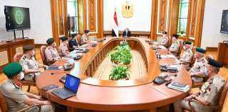 بالصور.. كواليس ما دار في اجتماع الرئيس مع وزير الدفاع وقادة القوات المسلحة